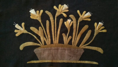 Daffies in an Old Granite Pan Hand dyed wool by Blackberry Primitives